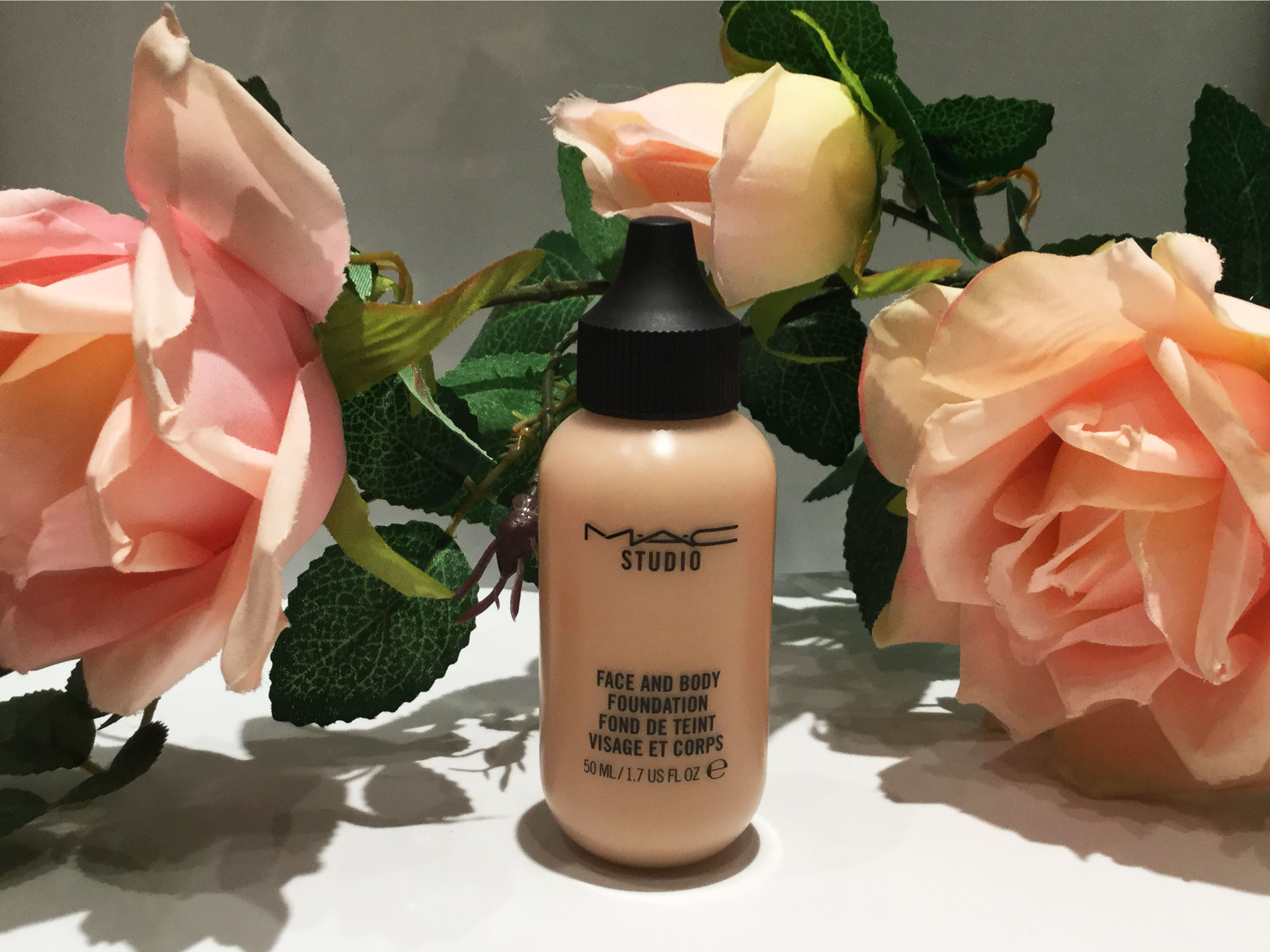 Face and Body Foundation de Mac.